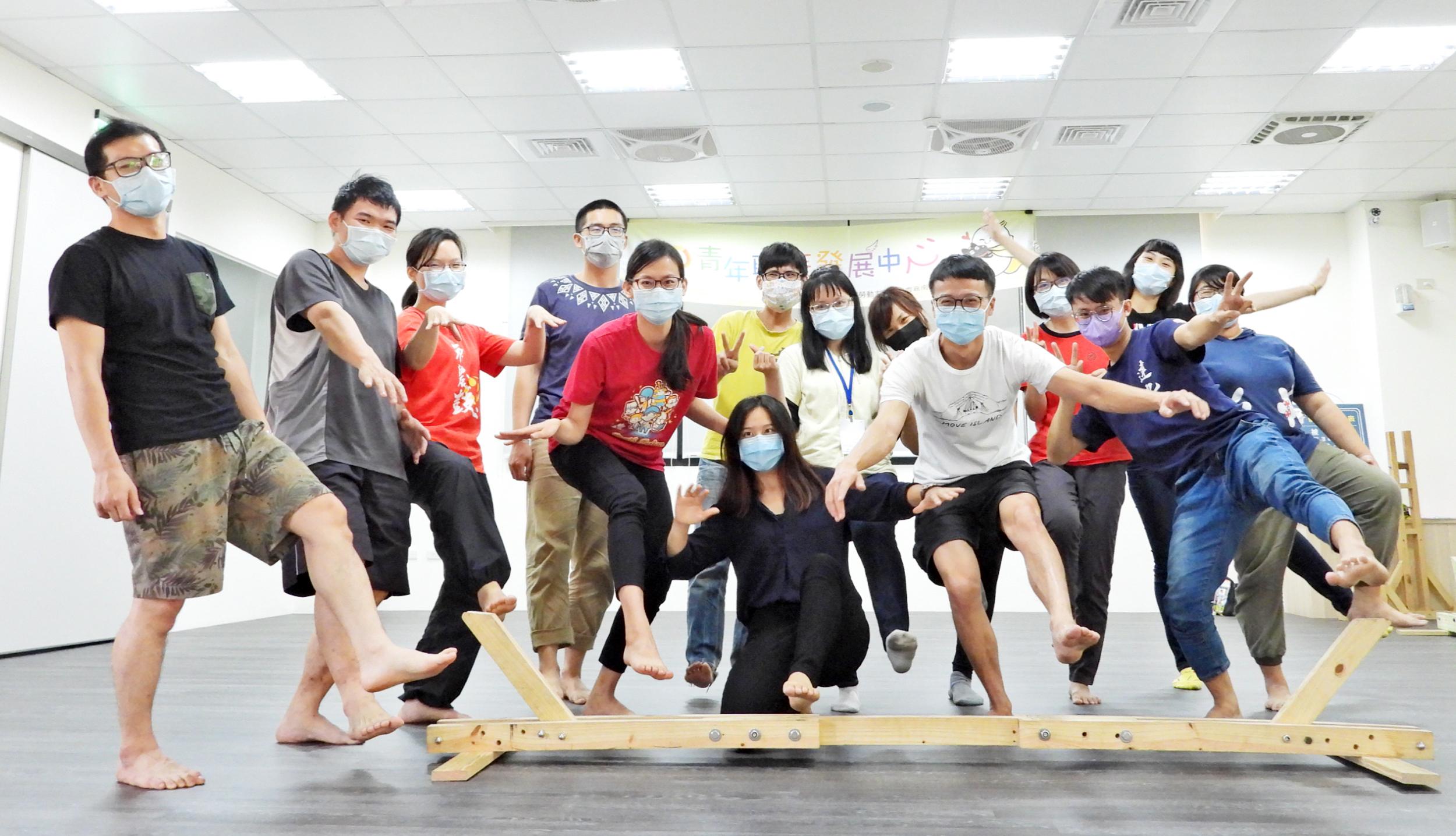 ▲因應畢業求職潮,雲嘉南分署青年職涯發展中心4-6月將辦理超過60場次的職涯講座、職場參訪體驗、團體課程活動。