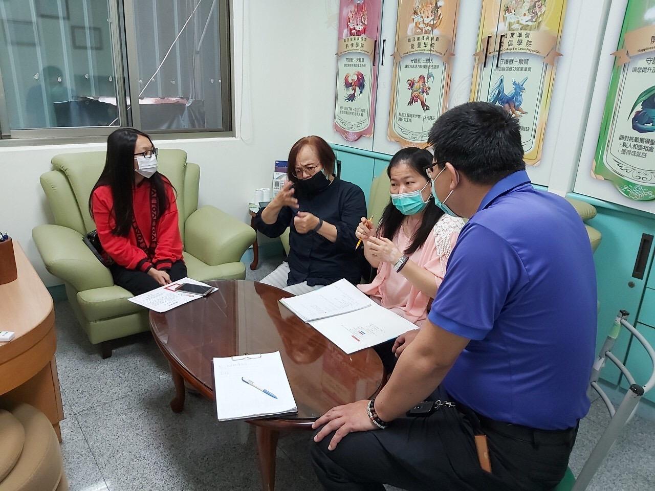 ▲南投就業中心為聽障者開啟人生第一個職場經驗